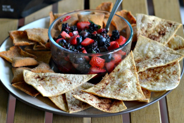 Toufayan Bakeries Mojito Berry Salsa with Salted Caramel Pita Chips